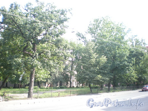 Сквер на ул. Моисеенко около д. 26. Фото 2008 г.