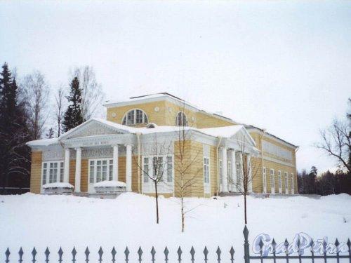 Розовый павильон. Фото январь 2002