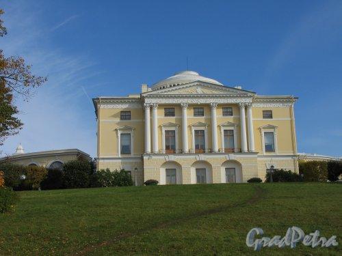 парк Павловский. Большой дворец. Фасад со стороны р. Славянки. Фото сентябрь 2007 г.
