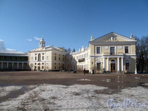 парк Павловский. Дворец. Левое крыло. Фото апрель 2012 г