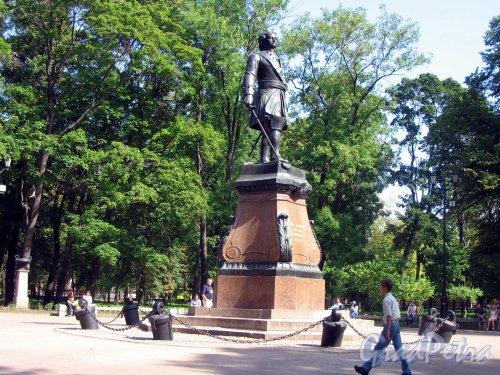 парк Петровский в Кронштадте. Памятник Петру I. ск. Т.Н. Жак (модель), отливка П.К. Клодт. 1841. Фото август 2006 г.