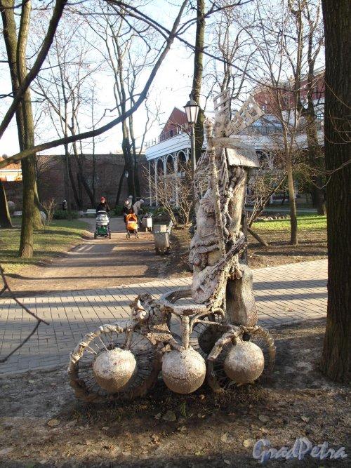 Измайловский сад. Адрес: наб. реки Фонтанки, д. 114. Парковая скульптура. Фото ноябрь 2012 г.
