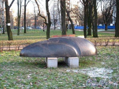 Малоохтинский сад. Скульптура «Венеция». ск. В. А. Гаврилов. фото ноябрь 2012 г.
