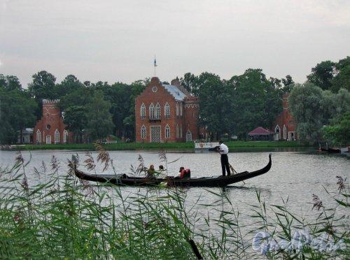 Екатерининский парк (г. Пушкин). Большой пруд и Адмиратейство. Фото август 2005 г.