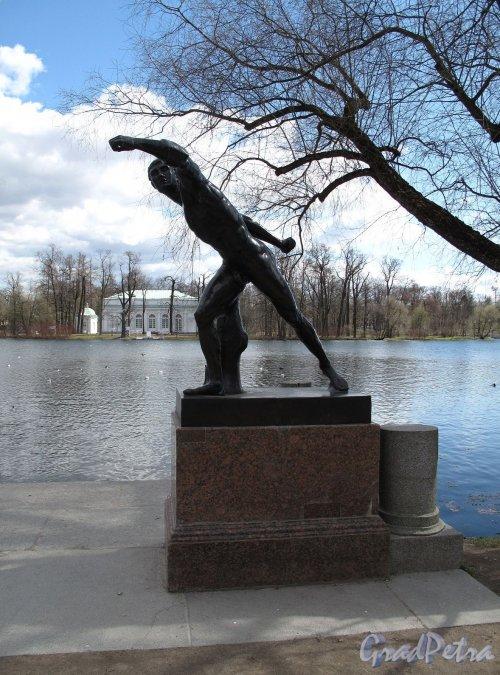 Екатерининский парк (г. Пушкин). Гранитная пристань. Статуя Боргезского бойца. Фото май 2012 г.