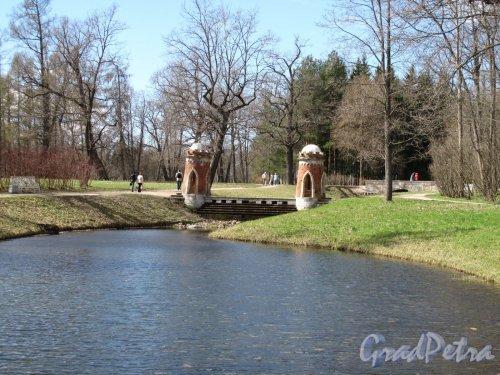 Екатерининский парк (г. Пушкин). Пейзажный парк. Плотина на Красном каскаде. Фото май 2012 г.