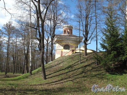 Екатерининский парк (г. Пушкин). Пейзажный парк. Башня-Руина. Фото май 2012 г.
