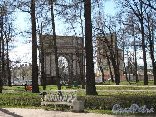 Екатерининский парк (г. Пушкин). Пейзажный парк. Орловские ворота. Фото май 2012 г.