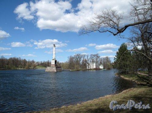 Екатерининский парк (г. Пушкин). Чесменская колонна и Зал на острову. Фото май 2012 г.