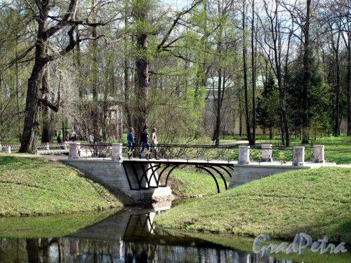 Екатерининский парк (г. Пушкин). Верхние пруды, мост. Фото май 2012 г.