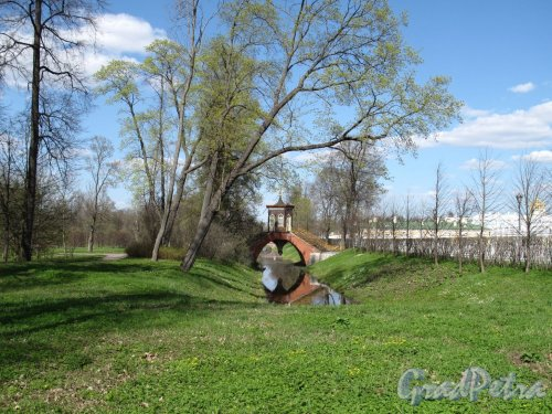 Александровский парк (г. Пушкин). Крестовый мост. Фото май 2012 г.