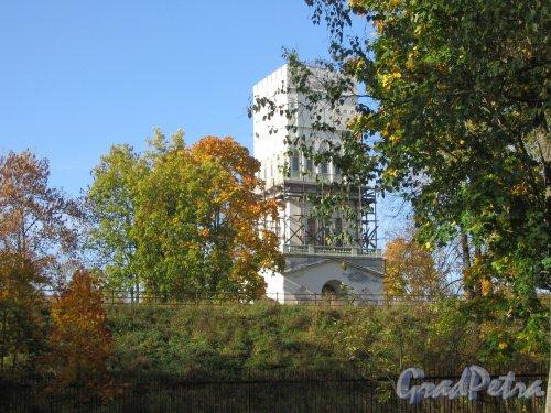 Александровский парк (г. Пушкин). Белая башня. Фото сентябрь 2007 г.
