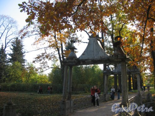 Александровский парк (г. Пушкин). Малый Китайский мост. Фото сентябрь 2007 г.