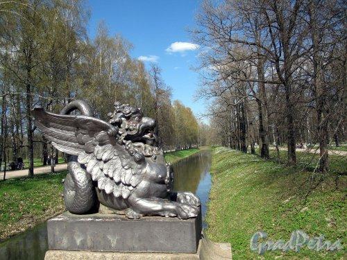 Александровский парк (г. Пушкин). Драконов мост. Фото май 2012 г.
