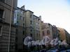 Волынский пер., д. 2 (угловая и правая части). Фасады зданий. Фото октябрь 2009 г.