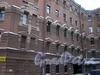 Угловой пер., д. 11 / наб. Обводного канала, д. 137. Доходный дом Н. И. Львовой. Фрагмент фасада по переулку. Фото февраль 2010 г.