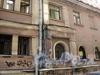 Бол. Казачий пер., д. 11. «Казачьи бани». Фрагмент фасада среднего корпуса. Фото май 2010 г.