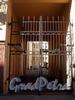 Гродненский пер., д. 20. Решетка ворот. Фото апрель 2010 г.
