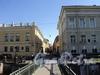Перспектива Прачечного переулка от набережной Мойки в сторону улицы Декабристов. Вид с Прачечного моста. Фото июнь 2010 г.