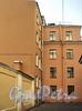 Днепровский пер., д. 6 / Большой пр., В.О., д. 24. Фрагмент фасада флигеля, выходящего в Днепровский переулок (слева на Фото). Фото август 2010 г.