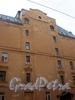 Заячий пер., д. 3. Дом для бедных тружениц с детьми. Фрагмент фасада. Апрель 2009 г.