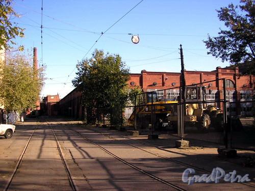 Дегтярный пер., д. 3. Депо трамвайного парка № 4 (им. Смирнова ). Фото 2005 г.