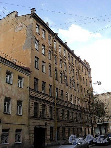 Дойников пер., д. 1-3 / Бронницкая ул., д. 19. Фасад по переулку. Фото май 2010 г.