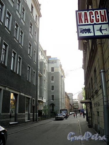Перспектива Бол. Казачьего переулка от Загородного проспекта. Фото май 2010 г.