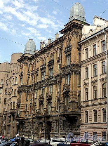 Бол. Казачий пер., д. 6. Доходный дом М.В. Захарова. Фасад здания. Фото май 2010 г.