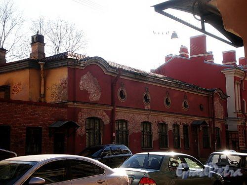 Гродненский пер., д. 9 (левая часть). Общий вид. Фото апрель 2010 г.