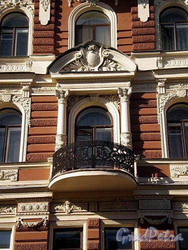 Гродненский пер., д. 12. Решетка балкона. Фото апрель 2010 г.