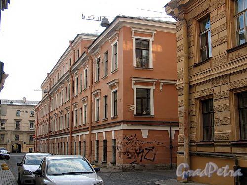 Академический пер., д. 9 / Днепровский пер., д. 22. Фасад по Академическому переулку. Фото август 2010 г.