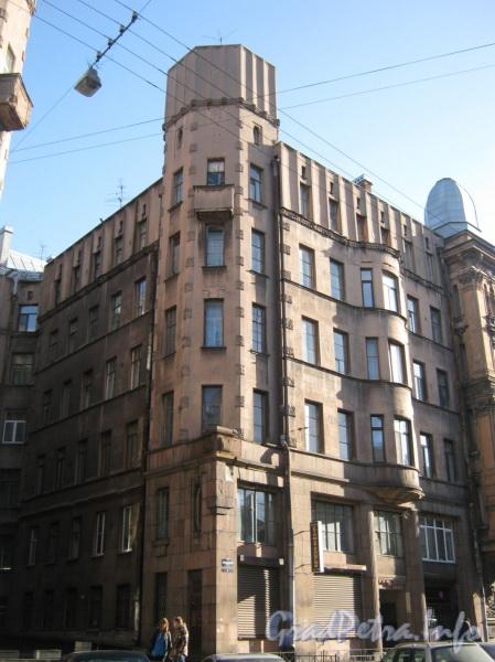Большой Казачий переулок, дом 4. Угловая часть фасада дома с Бол. Казачьего пер. Фото март 2012 г.