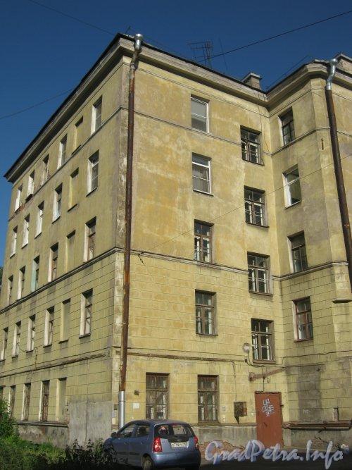 Урюпин пер., дом 2. Общий вид со стороны дома 5а по Майкову пер. Фото июнь 2012 г.