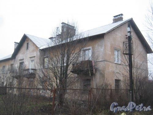 Лен. обл., Гатчинский р-н, г. Гатчина, Багажный пер., дом 1а. Общий вид здания. Фото 22 ноября 2013 г.