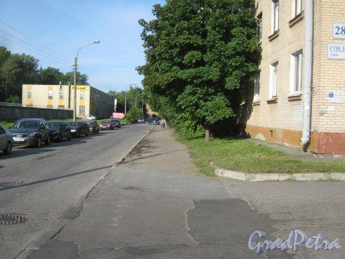 Козловский переулок в районе дома 28 по Стрельбищенской улице. Вид в сторону Волковского проспекта. Фото август 2013 г.