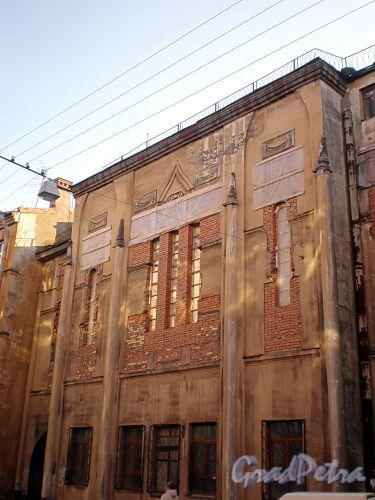 Транспортный пер., д. 5. Храм Лиговской старообрядческой общины. Фрагмент фасада здания. Фото октябрь 2009 г.