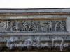 Казанский собор. Фрагмент барельефа «Источение Моисеем воды в пустыне» на аттике портала с восточной стороны храма. Фото июль 2009 г.