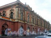 Здание Конюшенного музея. Общий вид дома до реставрации. 2004 г.