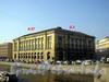 Пл. Ломоносова д. 3 / наб. р. Фонтанки д. 57. Общий вид до реставрации фасада. Фото 2005 г.