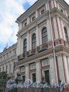Пл. Труда, дом 4. Правая часть фасада здания. Фото 21 августа 2012 г.
