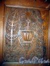 Якорная пл. (Кронштадт), д. 5. Морской собор Святого Николая Чудотворца. Фрагмент интерьера. Резная деревянная панель. Фото август 2006 г.