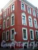 Румянцевская пл., д. 1 / ул. Репина, д. 1. Доходный дом А. В. Макарова (Г. Ю. Урлауб). Фрагмент угловой части здания. Фото июль 2009 г.