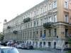 Румянцевская пл., д. 3 / ул. Репина, д. 2.  Доходный дом А. Ф. Девриена. Фасад по площади. Фото июль 2009 г.