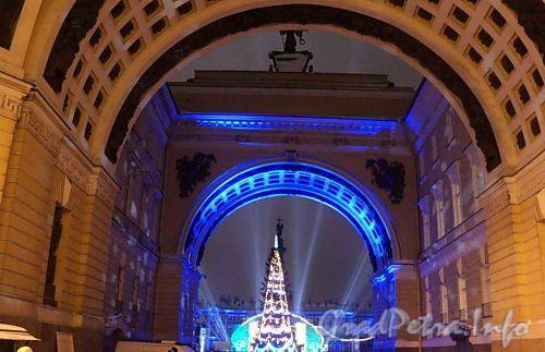 Дворцовая площадь. Новогоднее оформление площади. Фото 1 января 2011 г.