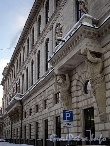 Пл. Островского, д. 2 А. Здание гостиницы. Фасад со стороны сада Аничкова Дворца. Фото январь 2011 г.