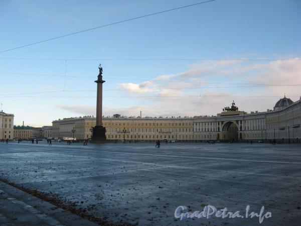 Дворцовая площадь в октябре 2007 г.