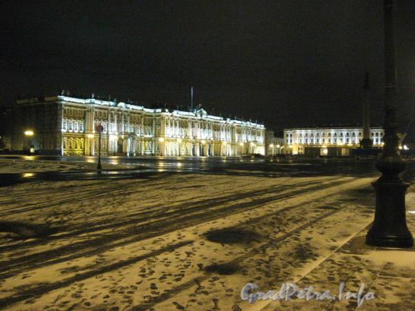 Дворцовая площадь январской ночью 2008 года.