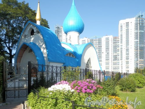 Кронштадтская площадь, дом 2. Храм святого Иоанна Кронштадтского. Фото август 2012 г.