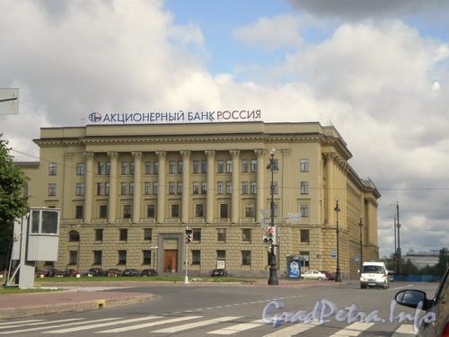 Площадь Растрелли,  д. 2, вид от улицы Пролетарской Диктатуры. Фото 2008 г.